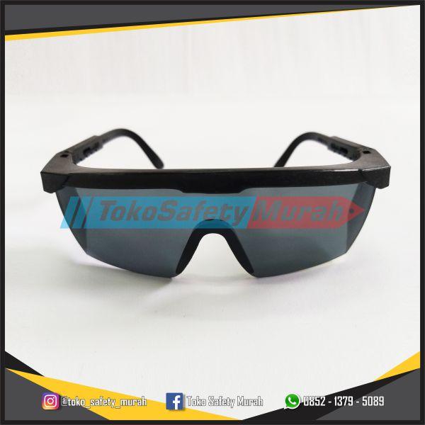 Kacamata Las Hitam Alat Safety Proyek Kacamata Tukang Gerinda Black - Toko  Safety Murah 9ceed7a0fa